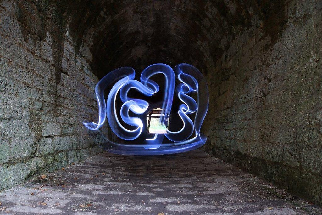 Light 9